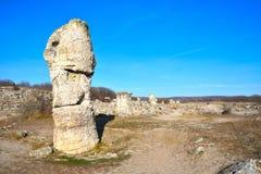 Pobiti Kamani, η πέτρινη δασική φυσική επιφύλαξη στη Βουλγαρία Στοκ Φωτογραφία