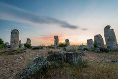 Pobitikamani - de vormingen van de fenomeenrots in Bulgarije dichtbij Varna Stock Afbeelding