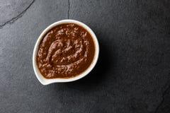 Poblano mexicano famoso tradicional del topo del chile del chocolate de la salsa de la salsa Topo de Puebla, México fotos de archivo libres de regalías