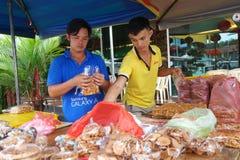 Pobocza sprzedawania maltozy cukierku stoiskowy ciastko przy Tualang w malajczyku Zdjęcie Royalty Free