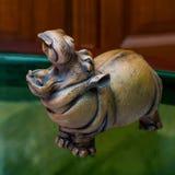 Poborca i jego hipopotamy w prywatnej kolekci zdjęcia stock