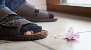 Pobreza da classe média causada pela crise financeira Imagem de Stock