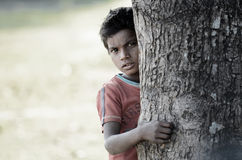 Pobreza de Hided… Imágenes de archivo libres de regalías