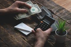 pobreza deudas ahorros foto de archivo libre de regalías