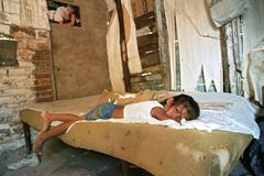 Pobreza no La do precário de Argentina oco fotografia de stock royalty free
