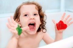 Pobrudzona farby mała dziewczynka Fotografia Royalty Free