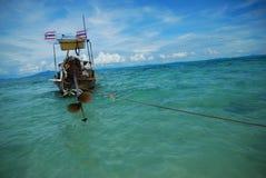 Poca barca di legno Fotografie Stock Libere da Diritti