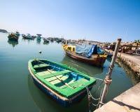 Poca barca nel porto del marsaklokk Fotografie Stock