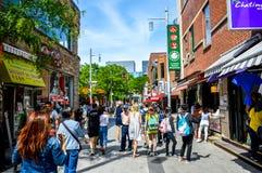 Poca calle en el cuarto de Chinatown Imagenes de archivo