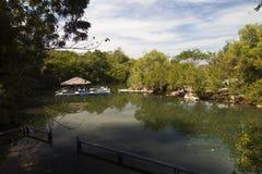 Poca Camera sul fiume Fotografia Stock