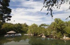 Poca Camera sul fiume Immagine Stock