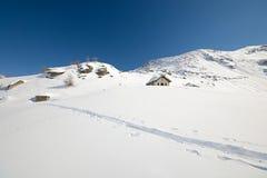 Cappella alpina nell'inverno Fotografia Stock