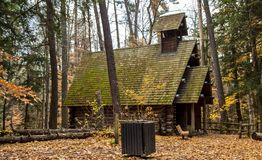 Poca cappella nel legno Fotografia Stock
