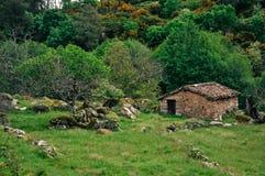 Poca casa de piedra Imagen de archivo libre de regalías