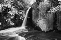 Poca cascada Fotos de archivo