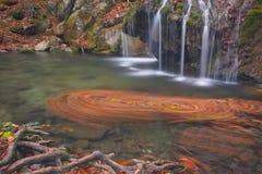 Poca cascata in Crimea Fotografia Stock
