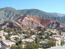 Poca città di Purmamarca, Jujuy, Argentina Fotografie Stock Libere da Diritti