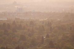 Poca ciudad en la luz de la mañana Foto de archivo libre de regalías