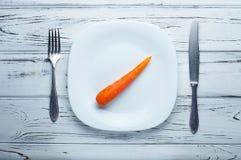 Poca comida para la pérdida de peso Permiso de la comida para la pérdida de peso Fotos de archivo libres de regalías