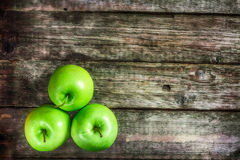 Poca manzana verde Imagenes de archivo