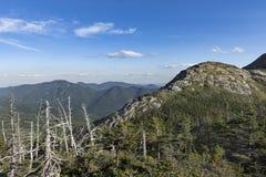 Poca montagna del mucchio di fieno nel Adirondacks Immagini Stock Libere da Diritti
