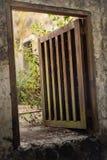 Poca puerta del metal Fotografía de archivo libre de regalías