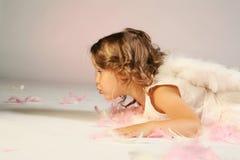 Poca ragazza di angelo Immagini Stock