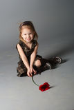 Poca ragazza sorridente di bellezza. Immagini Stock Libere da Diritti
