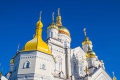 Pochayiv Lavra - χρυσοί θόλοι εκκλησιών Στοκ Εικόνες