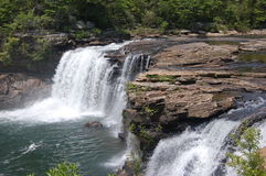 Poche cascate del fiume fotografie stock