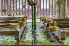 Poche de l'eau au pavillon de purification photos libres de droits
