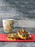 Poche omelette del muffin dell'uovo con il formaggio di capra Immagini Stock Libere da Diritti