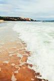 Poche onda e acqua bassa del mare Fotografia Stock Libera da Diritti