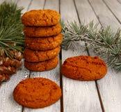 Pochi biscotti festivi per il Natale rustico Immagine Stock
