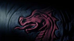 Pochodnia połysk Na Antycznym Czerwonym smok ściany cyzelowaniu zdjęcie wideo