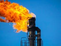 Pochodnia system na polu naftowym fotografia stock