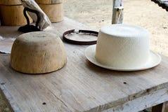 Pochoir et chapeau de Montecristi Panama Image libre de droits