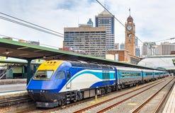 Pociąg ekspresowy Canberra przy Sydney centrali stacją obraz royalty free