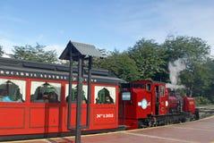 Pociąg końcówka świat opuszcza dla Tierra Del Fuego parka narodowego Zdjęcie Royalty Free
