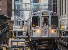 Pociąg na laSalle Van Buren Stacjonujący na pętli, Chicago, IL zdjęcie stock