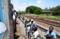 Pociąg podróżuje w Srí Lanka Zdjęcie Royalty Free