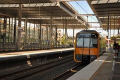 Pociąg przy platformą Parramatta stacja kolejowa Fotografia Royalty Free