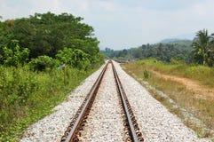 Pociąg Tropi Prowadzić horyzont Zdjęcia Royalty Free
