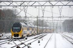 Pociąg w śniegu zdjęcie stock