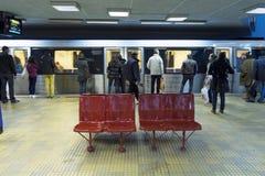 Pociąg w stację Obraz Royalty Free