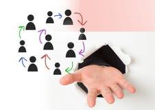 Pociągany ręcznie ludzie profilowych ikon z otwartą ręką pęka przez ściany Zdjęcie Stock