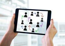 Pociągany ręcznie ludzie profilowych ikon z rękami trzyma pastylkę Fotografia Stock