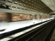 pociąg do stacji metra Zdjęcie Stock