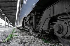 Pociąg w staci Zdjęcie Stock