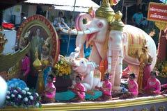 Pocierania Bua festiwal w Tajlandia (Lotosowy miotanie festiwal) Zdjęcia Royalty Free
